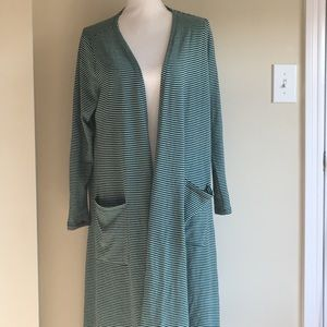 LulaRoe - Medium Sarah NWOT